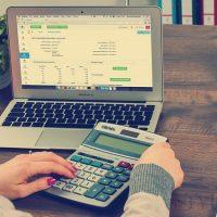 Jurisprudencia: Heteroaplicativas disposiciones que establecen gravamen adicional a dividendos.